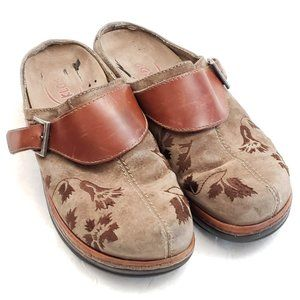 🌺 Klogs Suede embroidered Clogs USA Size 11 M 🌺